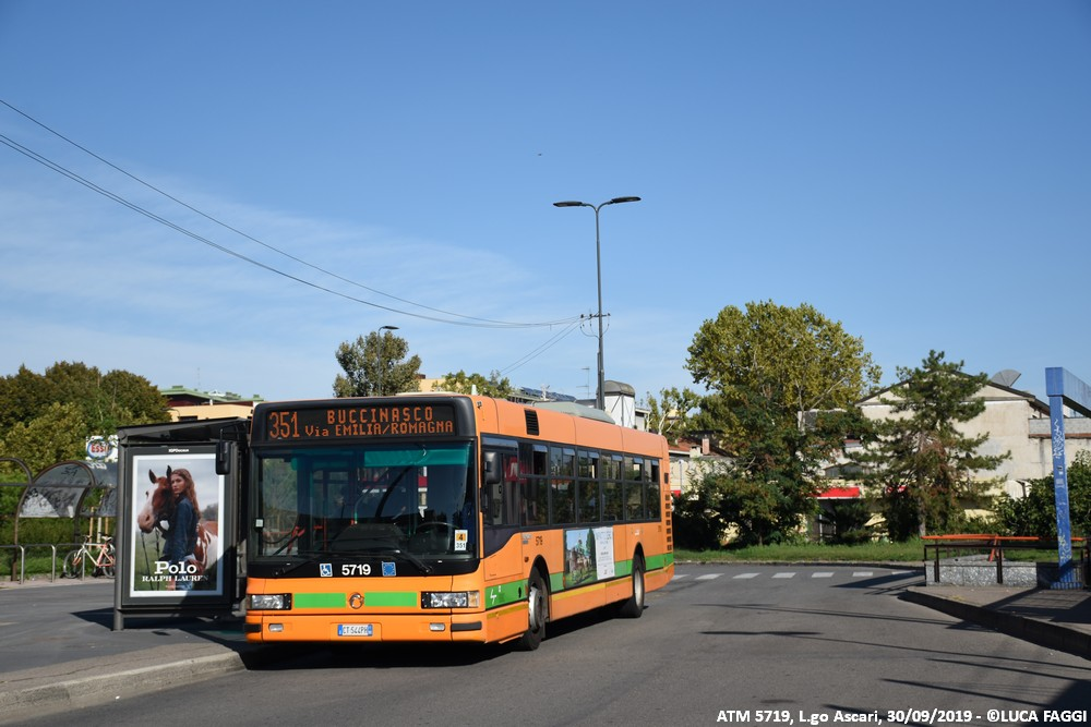 autobus cityclass atm 5719 milano linea 351
